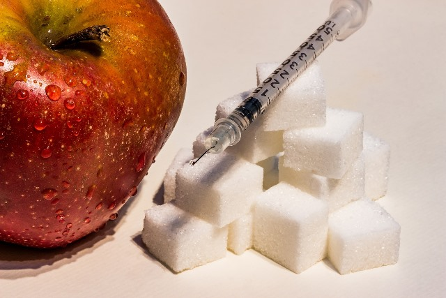 insulin-syringe-SM