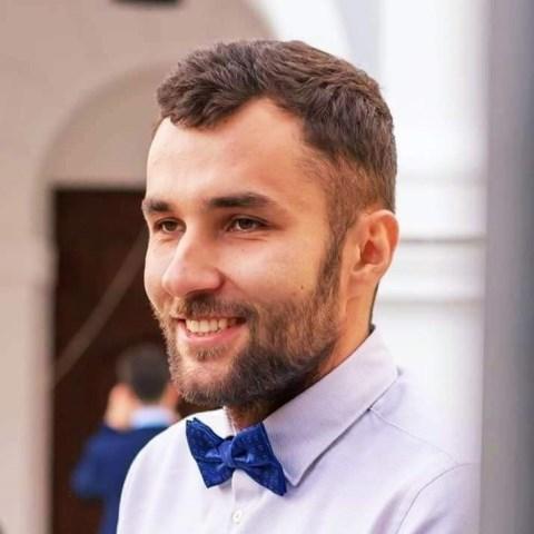 Matija Ažić volontira u Udruzi MaDi u Osijeku